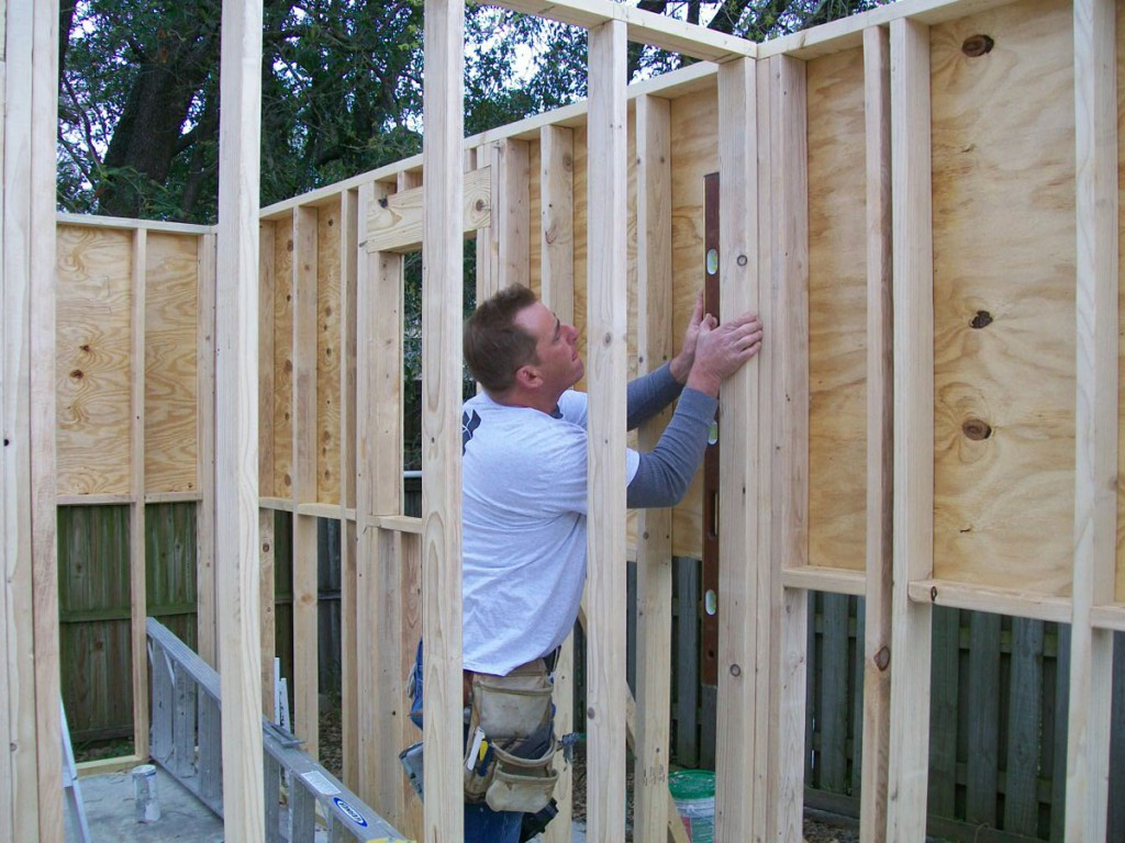 Image of CAM Contracting of Orlando, FL working on a home addition.